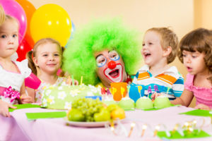 kids birthday party clown cake